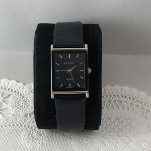 Vintage Gucci watch gorgeous Black Dial Leather